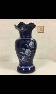 Flower Vase - dark blue