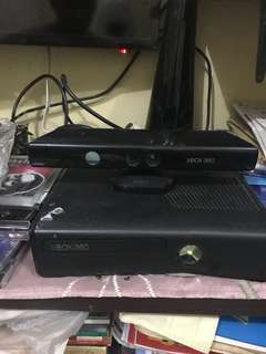 Xbox 360 with 2 Controllers & 20 Games