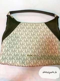 Brand New & Authentic Michael Kors Aria Medium Monogram Signature Handbag in Olive