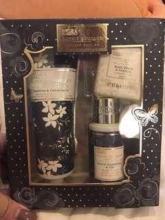 Baylis & Harding Gift Set - brand new