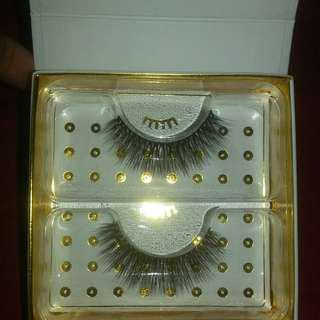 Barrington eyelashes NEW