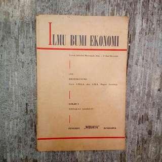 Buku Kuno Ilmu Bumi Ekonomi