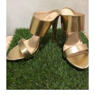 Gold Sandals Size 6
