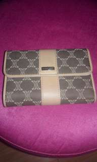 Auth Nine West Wallet