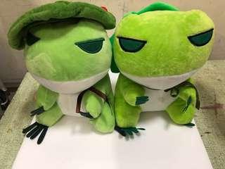 旅行青蛙 娃娃兩支 高約20cm  1支50