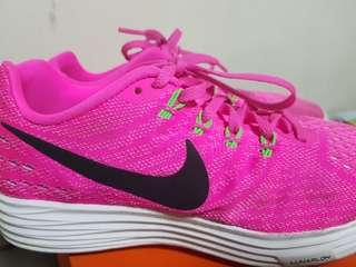 Nike Womens LunarTempo 2