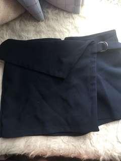 Zara shorts (Xs)