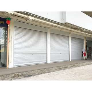 Bukit Merah HDB shop for rent Near MRT In between 2 coffeeshops Large shop Flexible arrangement