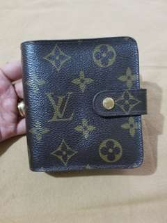 Louis Vuitton Short Wallet