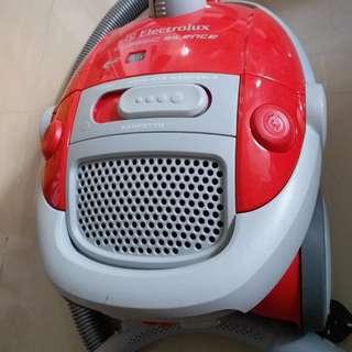 electrolux 吸塵機