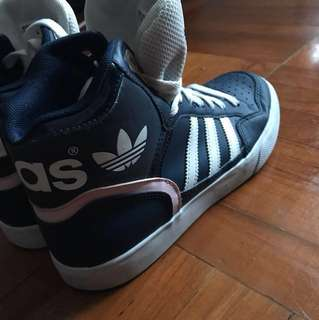 Adidas 波鞋95新