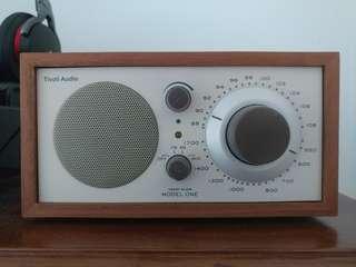 used model one radio Tivoli