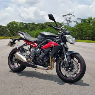 2015 Triumph Street Triple R in rare MATTE BLACK with QUICKSHIFTER