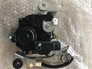 Car left & right sliding door motor replacement - The replacement price stated is for 1 door only, either left or right for Toyota - Vellfire, Alphard, Esquire, Voxy, Estima & Isis.