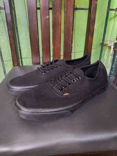 👟Vans All Black size 43 (Onhand)