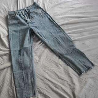 Quality Highwaist Mom Jeans Size 28