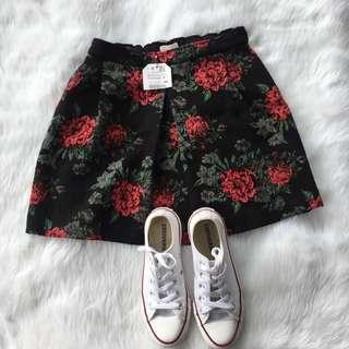 BNWT ZARA brocade skirt