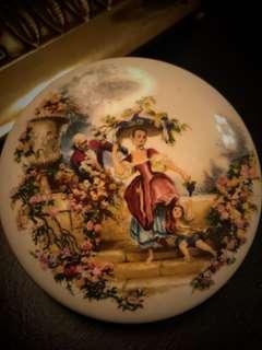 手飾存放小盒子,手工非常精緻,心愛之選!Decorative Ceramics- Liverpool