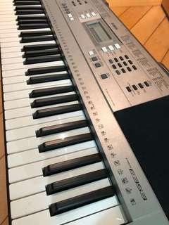 Yamaha 電子琴 PSR E353 連譜𣕧同琴𣕧