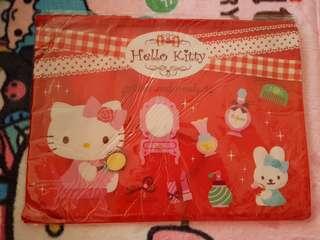 Hello kitty zip folder