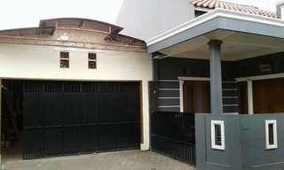 Dijual rumah bonus kontrakan 2 pintu
