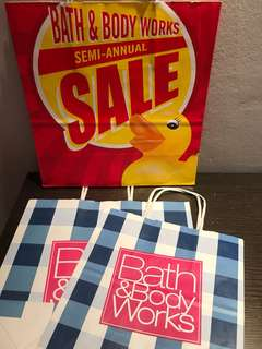 🚚 GSS 🎀 Bath and Body Works Paper Bags
