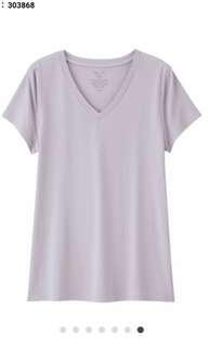 🚚 GU 女裝合身V領T恤(短袖)TW+E