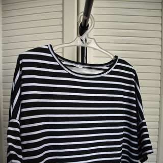 Hanging Stripped Tshirt