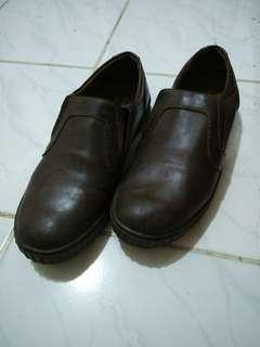 Pantofel coklat