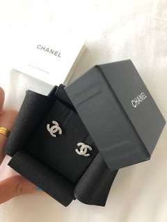 Chanel Earring ❤️