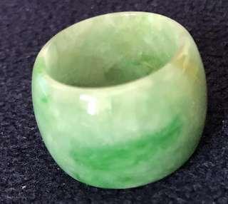 翡翠玉戒指(舊玉舊工)內圈16 mm