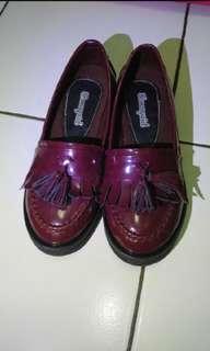 Tassel maroon shoes