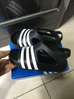Adidas adilatte play
