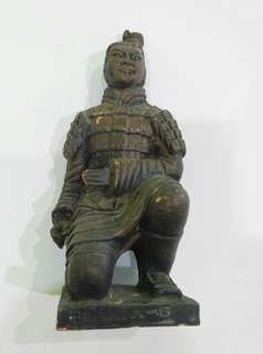 Patung miniatur Pasukan Terakota.