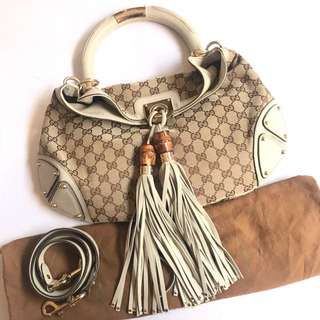 Gucci canvas with good condition banget rare colour comes with strap and dustbag only