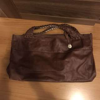 Rabeanco brown leather handbag