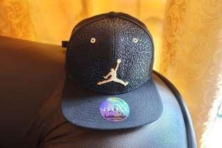 Nike Air Jordan Jumpman Elephant Strapback Cap  Schwarts/Gold