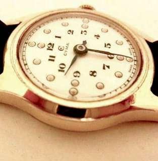 超特價出讓50/60年代 瑞士品牌 司馬腕錶白瓷錶面 Vintage CYMA Rare Porcelain Dial Mechanical Manual Wind Watch 機械上鍊:100%原裝瑞士司馬罕有白瓷錶面兩針運行,Original Porcelain Dial with Gold capped Watch Case in working condition 配上原裝司馬金套錶殼直徑29mm in Diameter ,運作正常。
