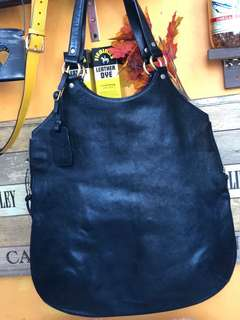 💯% authentic YSL large bag in lambskin. 85% new