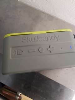 Skull candy portible Bluetooth speaker