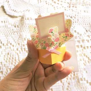 A Pocketful of Posies - Mini 3D Bouquet Card.