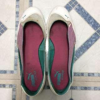 Authentic Puma flat shoes