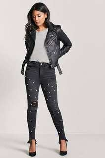 F21 High-rise black pants with pearls