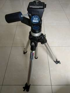 Manfrotto 3001 tripod w/ 3030 pan/tilt head