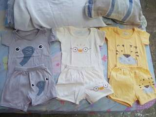 Little wishes tshirt and shorts set 3-6 mos