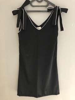 label three black dress