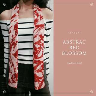 Scarf abstac red blossom