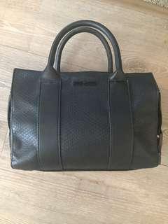 STEVE MADDEN black leather handbag