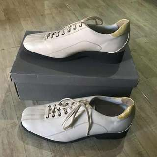 Oasis branded shoes
