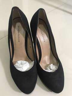 Primadonna Almond Toe Black Pumps
